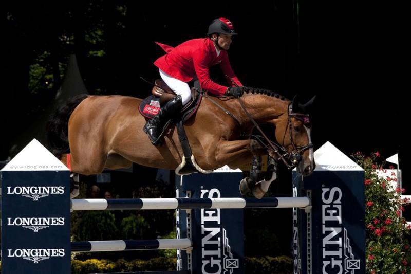 Equitazione-salto-ostacoli-Pius-Schwizer.jpg