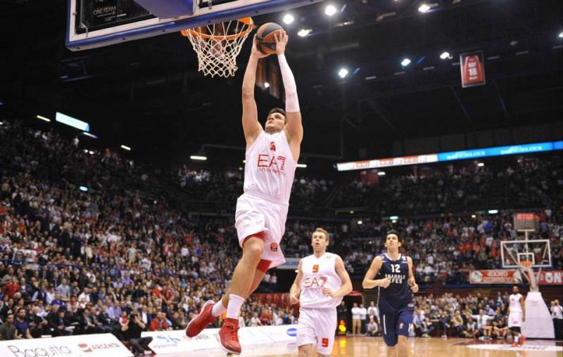 Alessandro-Gentile-Basket-Pagina-FB-Olimpia-Milano.jpg