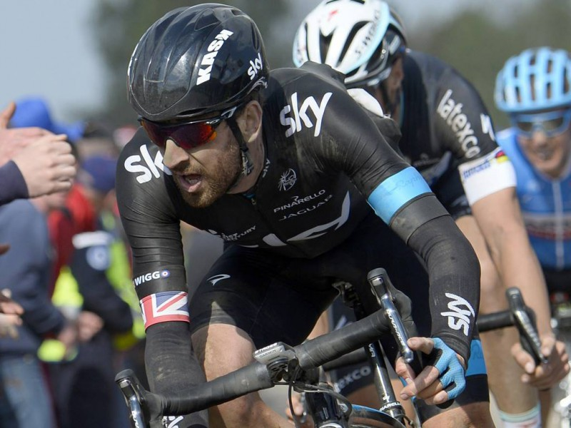 wiggins-roubaix-fb-team-sky.jpg