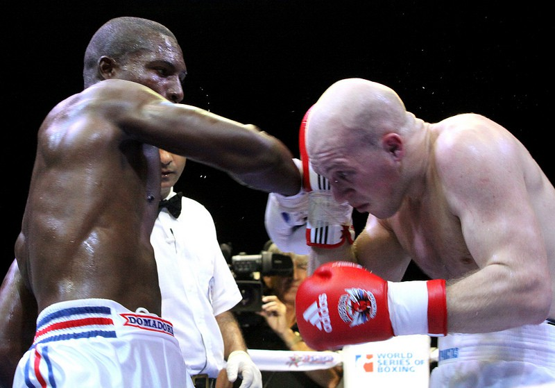 Boxe-WSB-Julio-Cesar-LA-CRUZ-Aleksander-KHOTYANTSEV.jpg