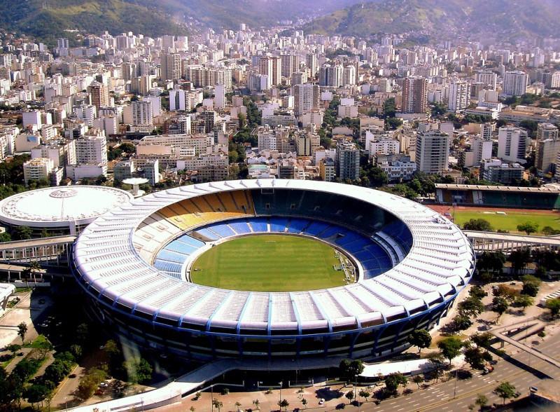 Calcio-Stadio-Maracanà-wikipedia-nl.jpg