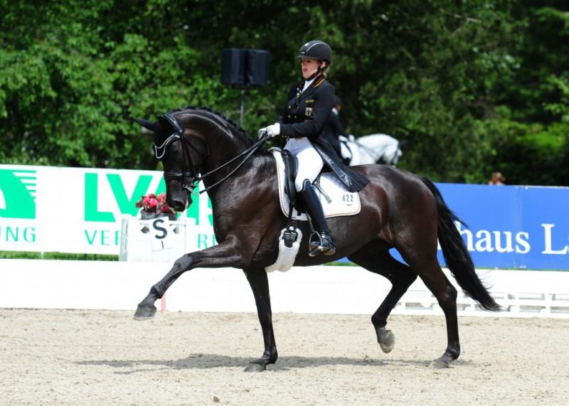 Equitazione-dressage-Anna-Christina-Abbelen-st-georg.de_.jpg