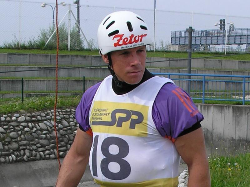 Michal_Martikán-canoa-slalom-wikipedia.jpg