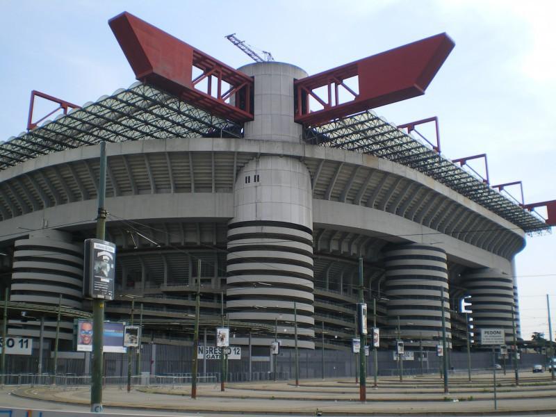 San-Siro-calcio-wikipedia.jpg