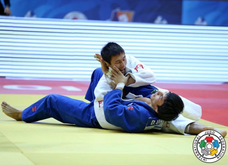 Judo-Amartuvshin-Dashdavaa-Diyorberk-Urozboev.jpg