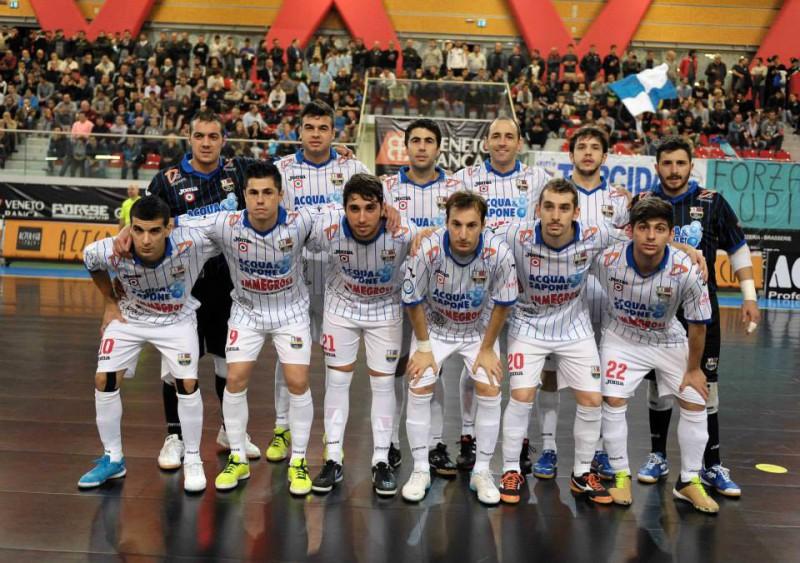 acquasapone-calcio-a-5-foto-pagina-fb-divisionecalcioa5.it-paolo-cassella.jpg