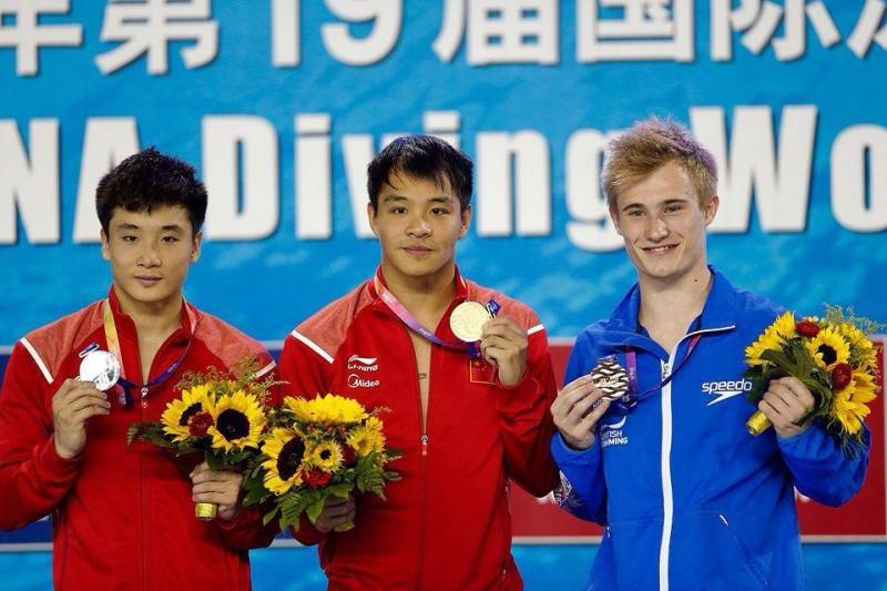 Cao-Yuan-He-Chong-Jack-Laugher-tuffi-pagina-ufficiale-fb-laugher.jpg