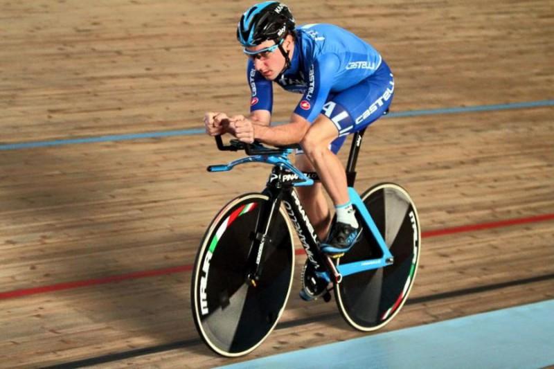 Elia-Viviani-ciclismo-su-pista-Profilo-FB-Viviani.jpg