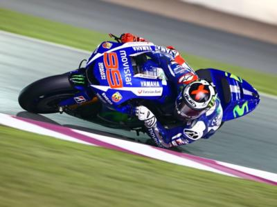 MotoGP, GP Valencia 2015, analisi qualifiche: Lorenzo missione compiuta. Per Valentino Rossi serve un miracolo