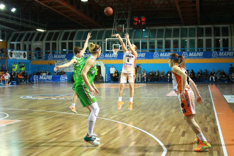 basket-femminile-martina-fassina-saces-napoli-fb-dike-basket-napoli-ssd.jpg