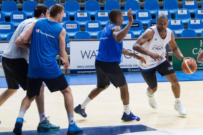 basket-metta-world-peace-cantù-fb-pallacanestro-cantù.jpg