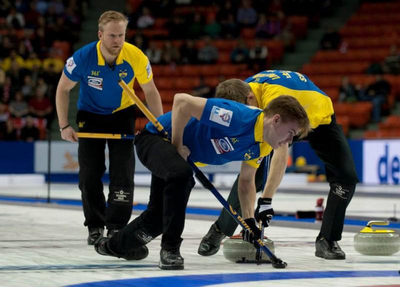 Curling-Svezia-Niklas-Edin-WCF.jpg