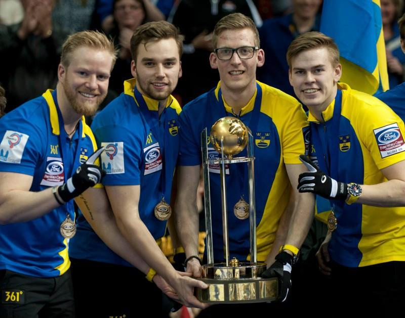 Curling-Svezia-Niklas-Edin-WCF2.jpg
