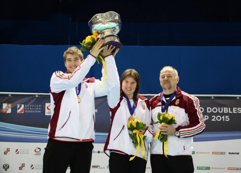 Curling-Ungheria-WCF.jpg