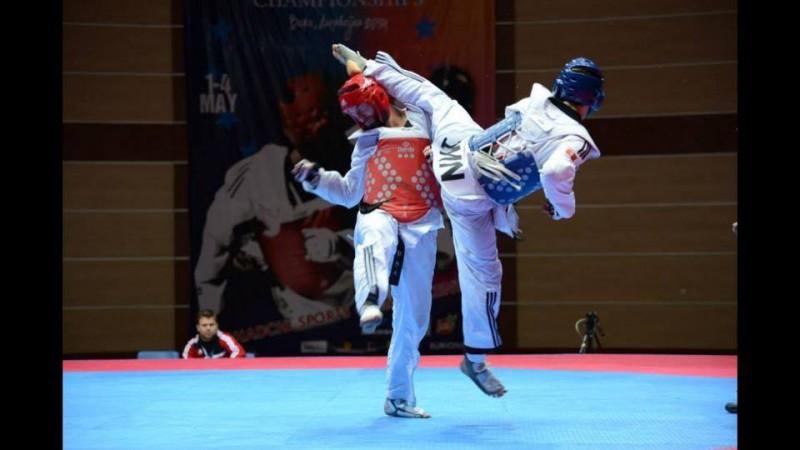 Aaron-Cook-taekwondo-foto-pagina-fb-e1445205012885.jpg
