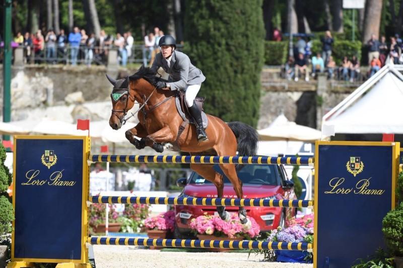 Equitazione-Henrik-von-Eckermann-Roma-Piazza-di-Siena-FB.jpg