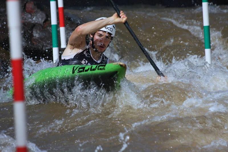 Giovanni-De-Gennaro-canoa-slalom-foto-sua-fb-Ettore-Ivaldi.jpg