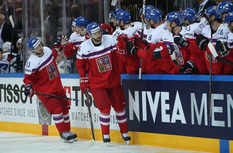 Hockey-ghiaccio-foto-pagina-IIHF.jpg