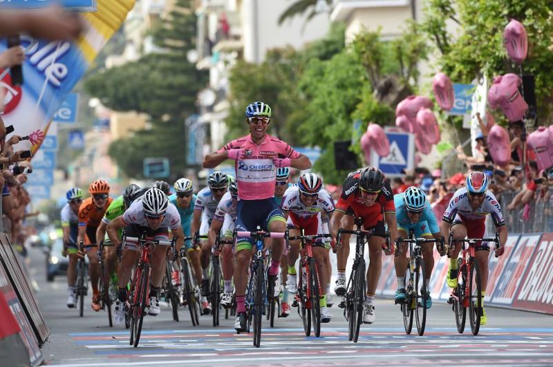 Matthews-FB-Giro-2015-e1449586247143.jpg
