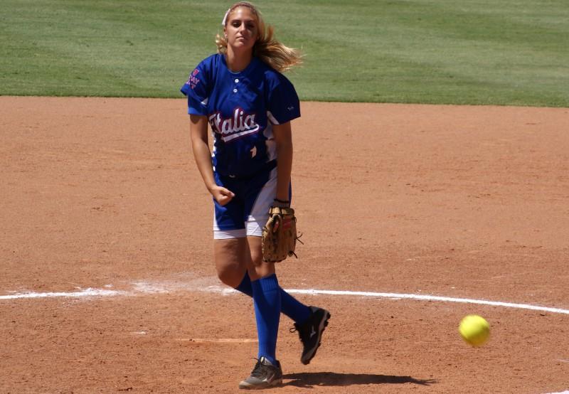 20150809-Sara-Riboldi2c-in-pedana-contro-lAustralia-Under-19-Softball-EN-Oldmanagency.jpg