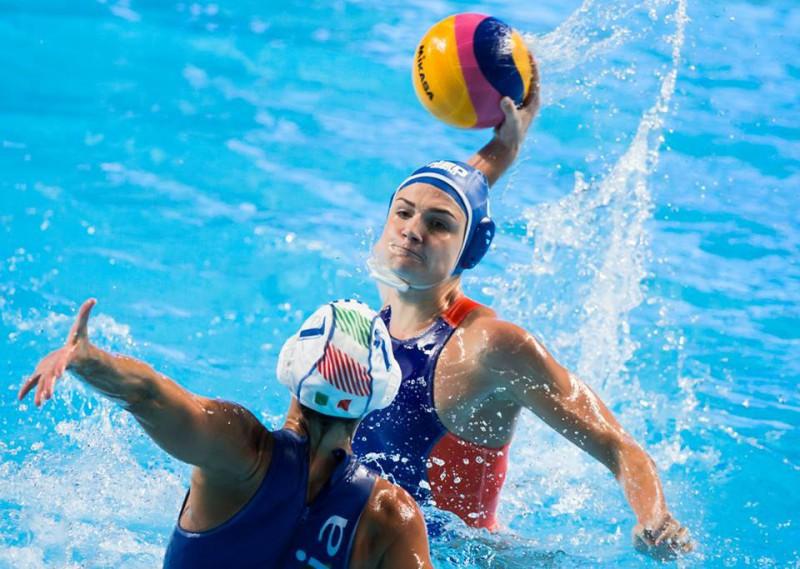Italia-pallanuoto-femminile-setterosa-pallanuoto-foto-facebook-fina-deepbluemedia.jpg