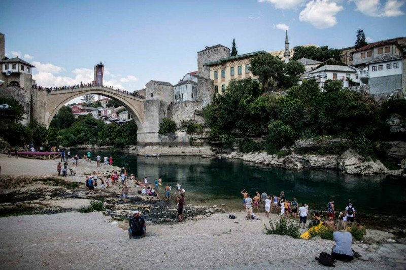 Mostar-tuffi-grandi-altezze-foto-pagina-fb-red-bull-cliff-diving-Dean-Treml.jpg