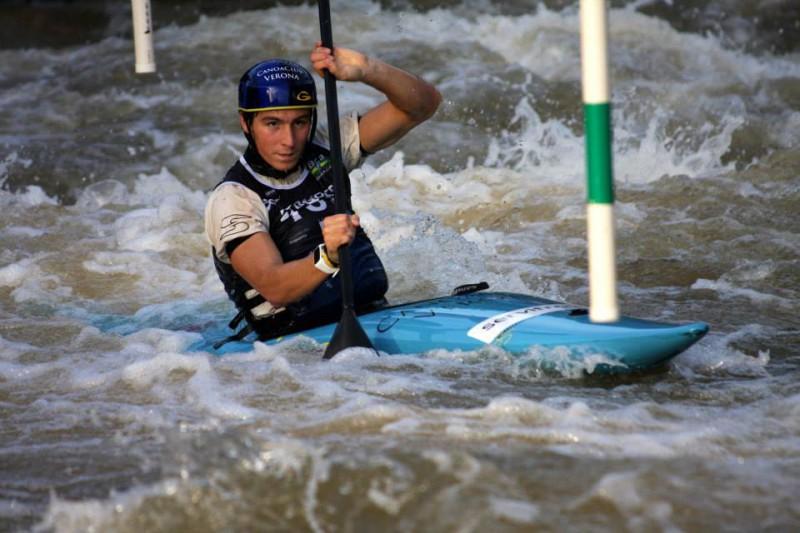 Zeno-Ivaldi-canoa-slalom-foto-fb-del-padre-Ettore.jpg