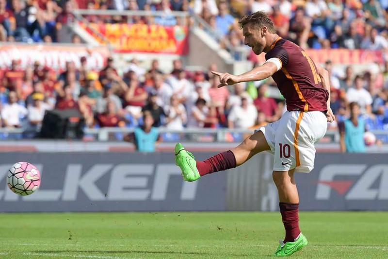 Francesco-Totti-Roma-calcio-foto-fb-ufficiale-as-roma.jpg