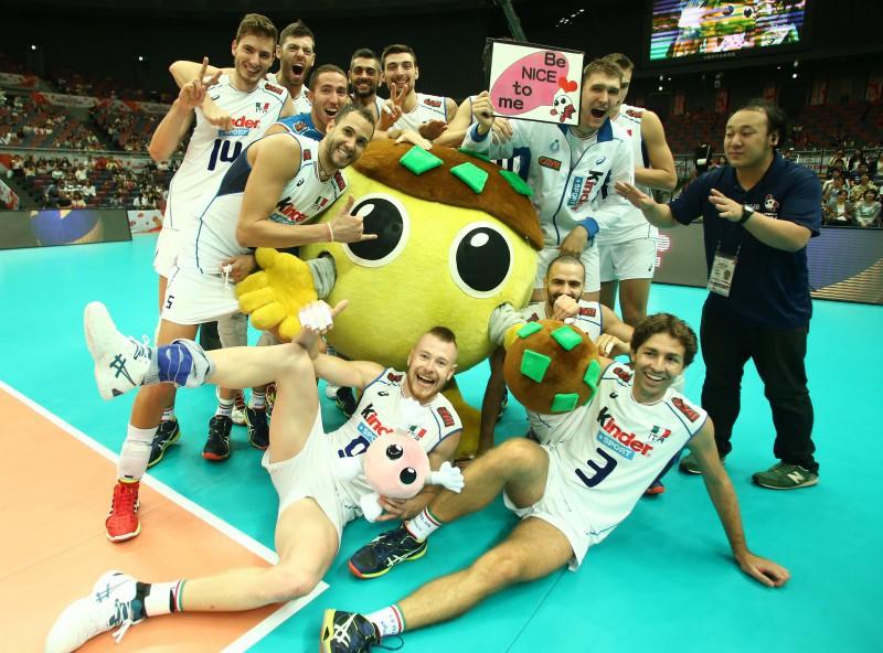Italyteamwinningcelebration-3.jpg