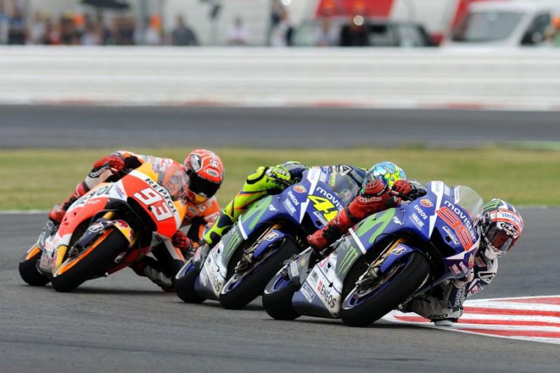 Rossi-Lorenzo-Marquez-2-FOTOCATTAGNI.jpg