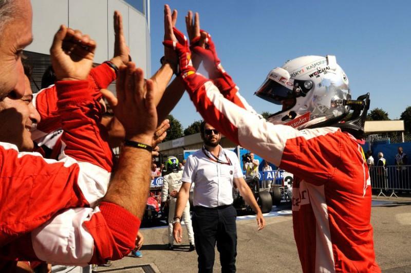Vettel-3-Ferrari-FOTOCATTAGNI.jpg