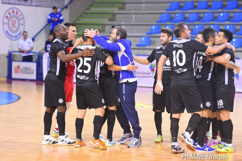 Carlisport-Cogianco-calcio-a-5-foto-pagina-facebook-divisione-calcio-a-5-marco-Bocale.jpg