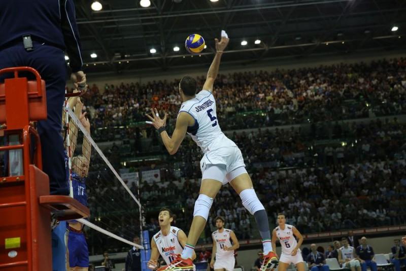 Juantorena-2-Volley-Renzo-Brico.jpg