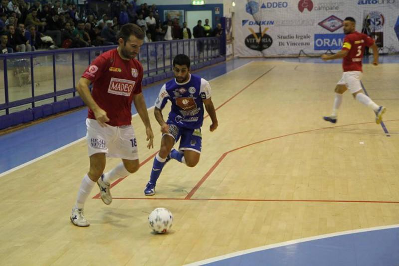 Napoli-Corignano-Futsal-calcio-a-5-foto-pagina-fb-corigliano-futsal.jpg