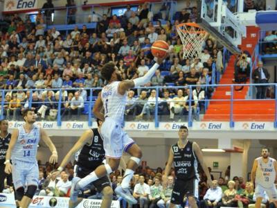 Basket, Serie A: Brindisi espugna Sassari nel posticipo della domenica