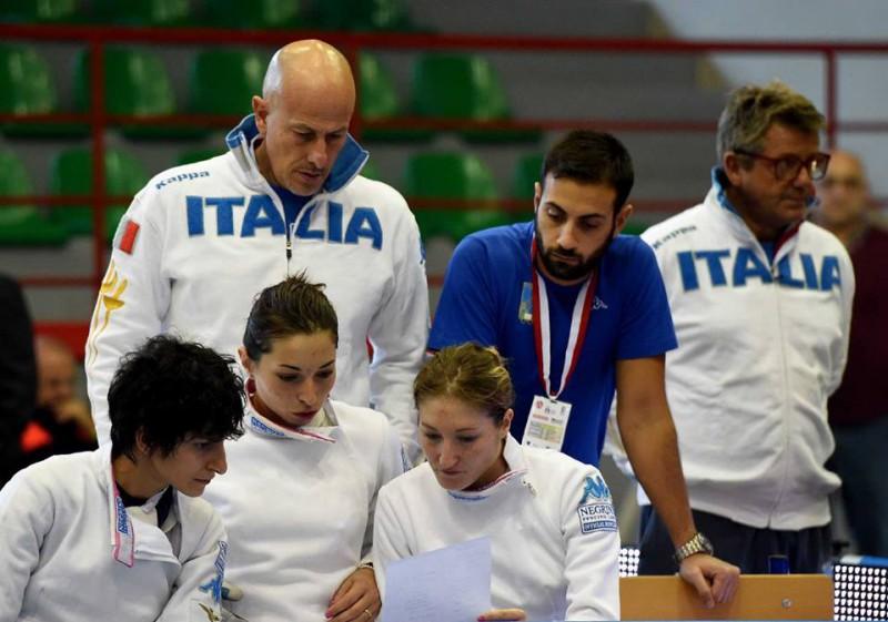 Del-Carretto-Navarria-Boscarelli-spada-femminile-scherma-foto-augusto-bizzi-federscherma.jpg
