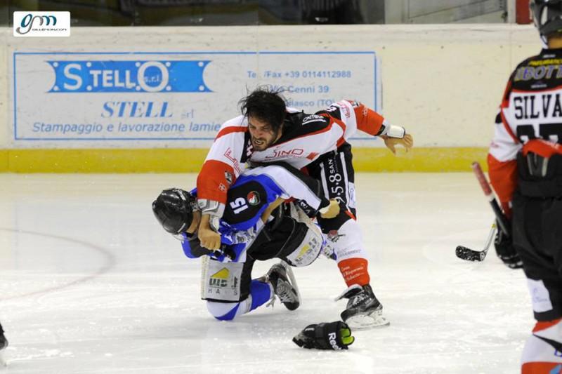 Valpellice-Vipiteno-rissa-hockey-su-ghiaccio-foto-hc-valpcellice-fb.jpg