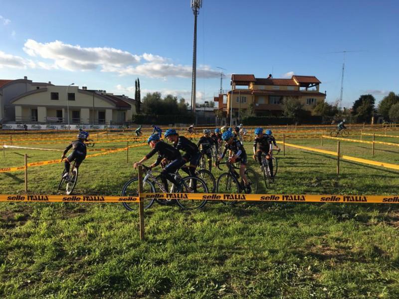 Ciclocross-Fb-Giro-dItalia-Ciclocross-e1449941331895.jpg