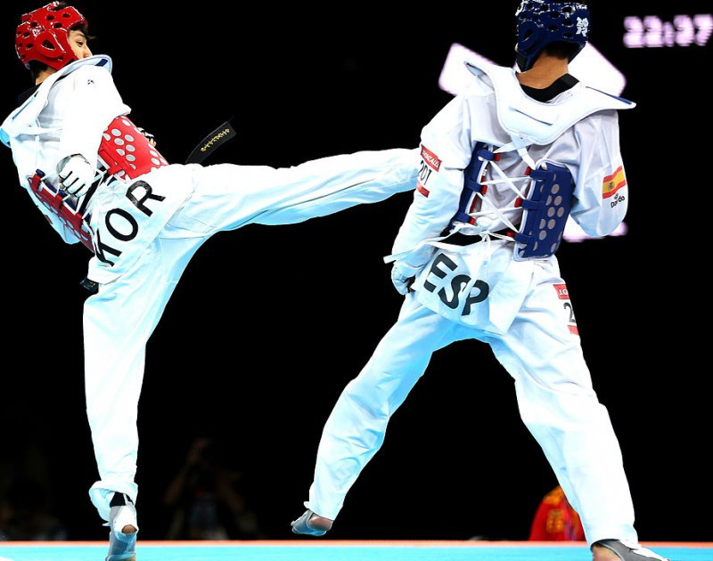 Lee-Daehoon-taekwondo-wikipedia-free-e1449493057637.jpg