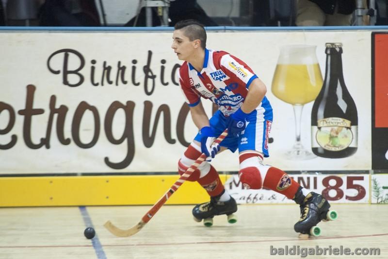 Monzal_baldi_hockey_pista.jpg