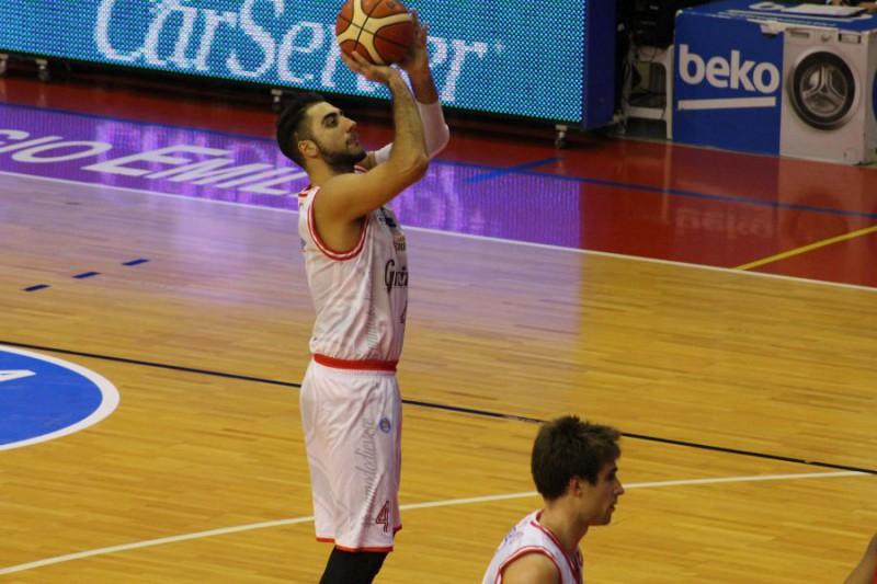 Aradori-3-basket-Reggio-Emilia-Roberto-Muliere.jpg