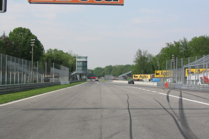 Autodromo_Monza.jpg