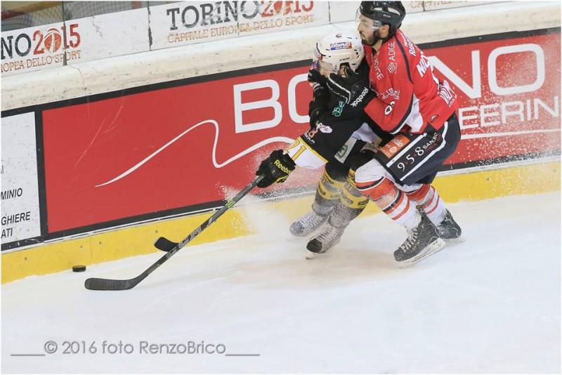 3-Valpellice-Val-Pusteria-2016-hockey-su-ghiaccio-foto-Renzo-Brico.jpg