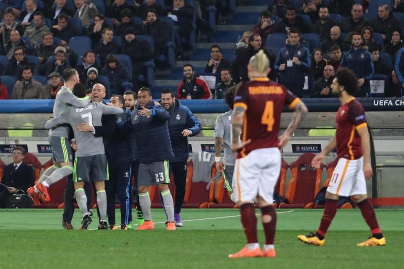 Cristiano-Ronaldo-Nainggolan-Roma-Real-Madrid-calcio-foto-gianfranco-carozza.jpg