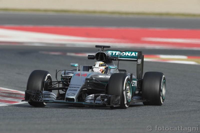 Hamilton-2-Mercedes-Foto-Cattagni.jpg