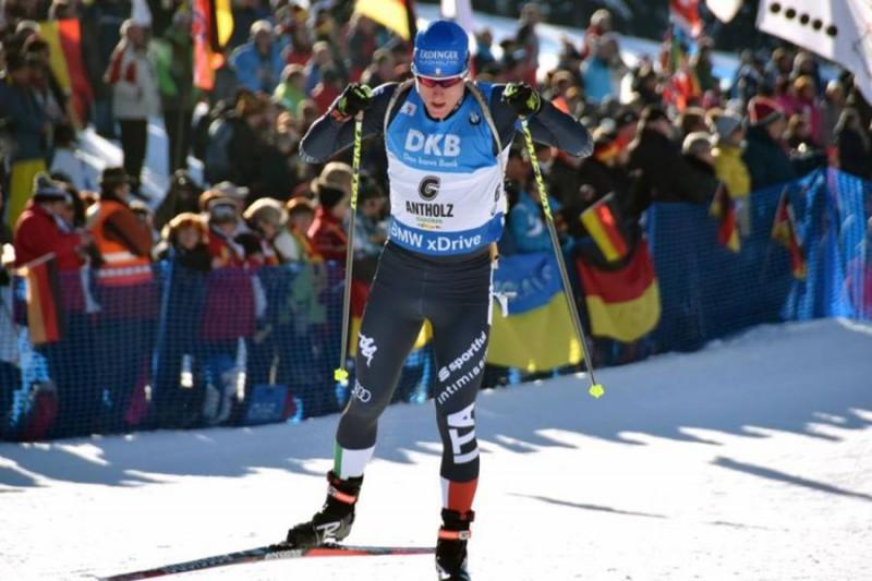 Lukas-Hofer-3-Biathlon-Romeo-Deganello.jpg