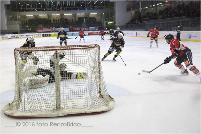 Valpellice-Val-Pusteria-2016-hockey-su-ghiaccio-foto-Renzo-Brico.jpg