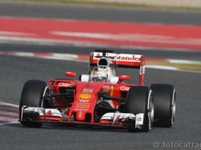 F1, GP Bahrain 2016 – DIRETTA LIVE gara: Rosberg in testa, Raikkonen secondo. Vettel non è partito