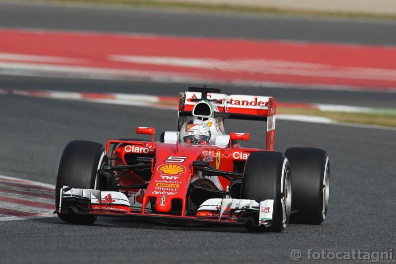 Vettel-3-Ferrari-Foto-Cattagni.jpg