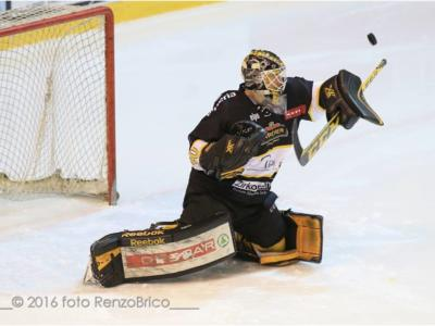 Hockey su ghiaccio, finale playoff Serie A: Johnson all'overtime regala il 2-1 al Val Pusteria